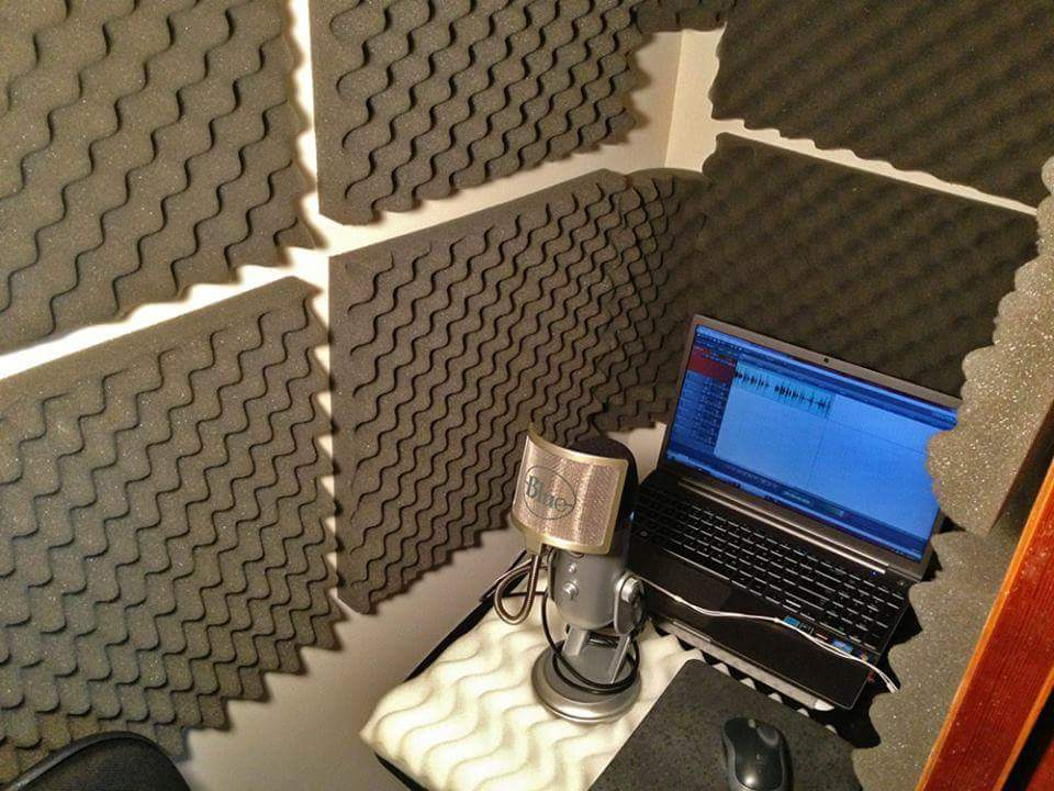 scott-roberts-voiceover-recording-closet